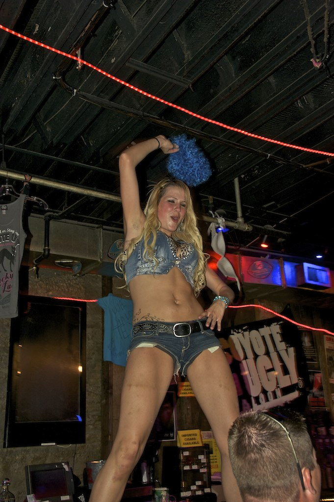 4000 views  Coyote Ugly Saloon Nashville Tennessee  Flickr