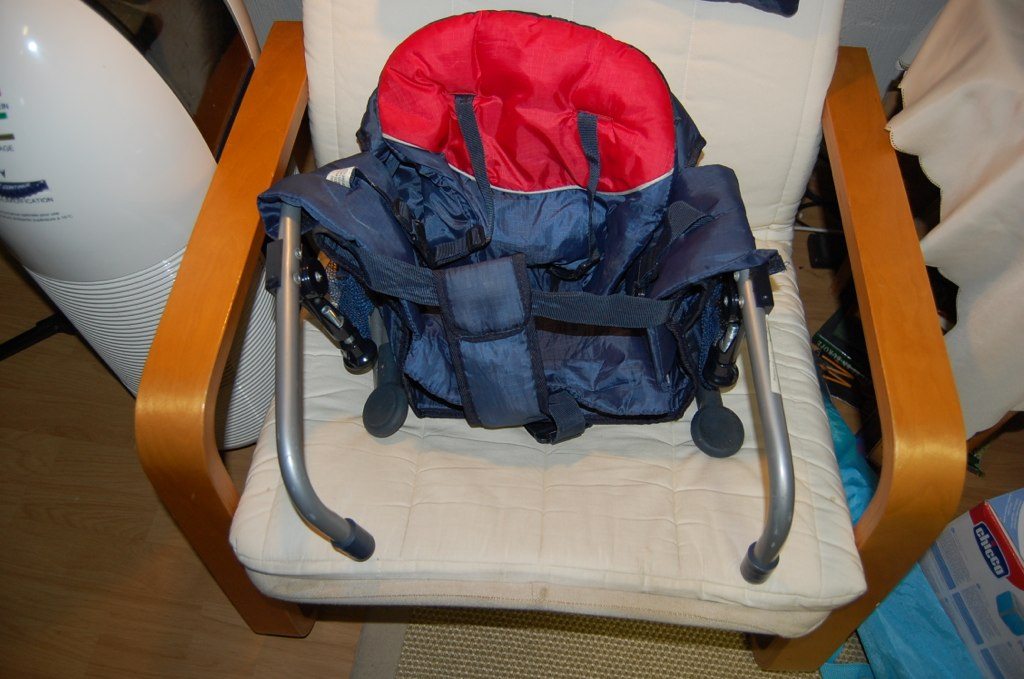 Portable High Chair 10  Attaches to table washable