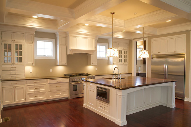 Large Gourmet Kitchen