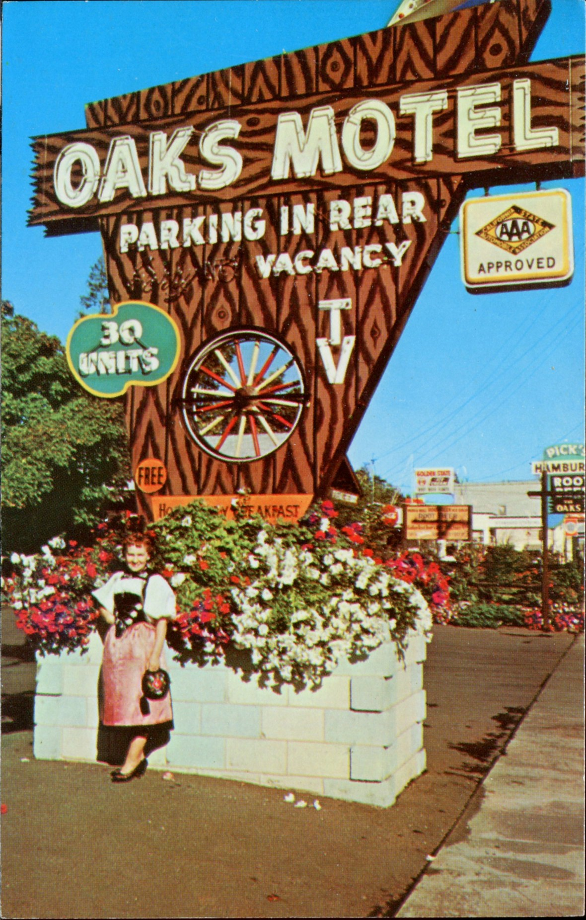 Oaks Motel - 123 South Cloverdale Boulevard, Cloverdale, California U.S.A. - date unknown