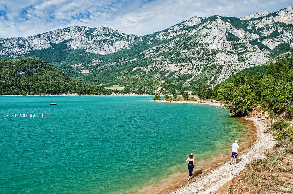 Il lago di Santa Croce  Il lago di SainteCroix in