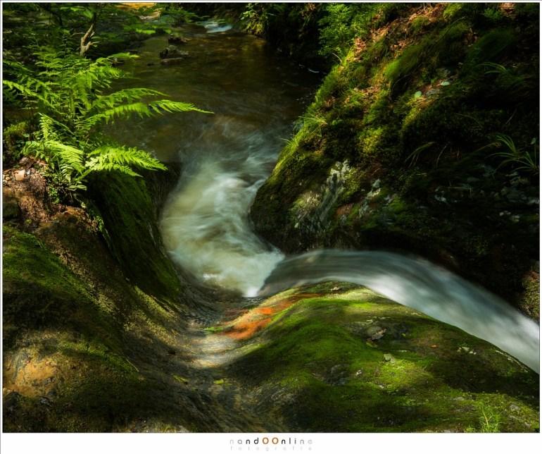 Stromend water, zichtbaar gemaakt door een lange belichtingstijd te kiezen. (Fujifilm X-Pro 2 + XF10-24mm @24mm; ISO200; f/16; t=0,5sec)