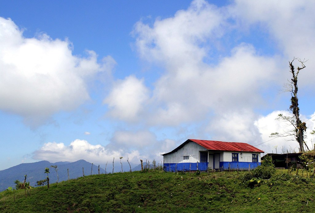Blanco azul y rojo  La casa tpica de Costa Rica algo ms  Flickr