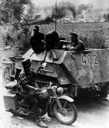 Sd.kfz. 250 5 Motorcycle Messenger Reports Crew