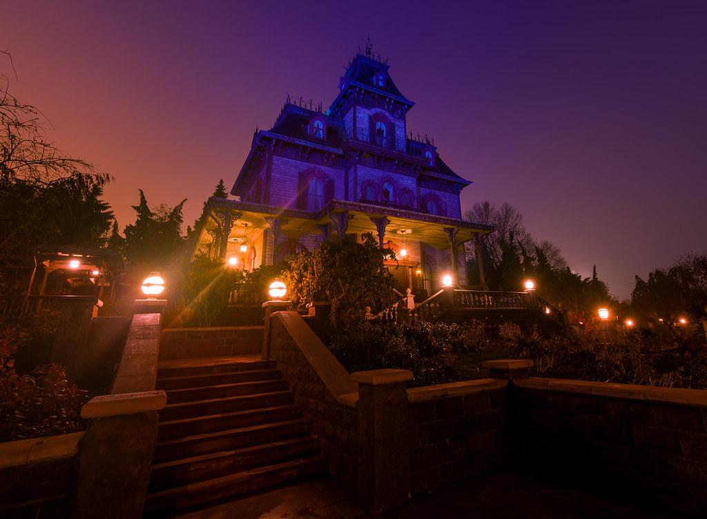 Phantom Manor Foggy Morning  Disneyland Paris
