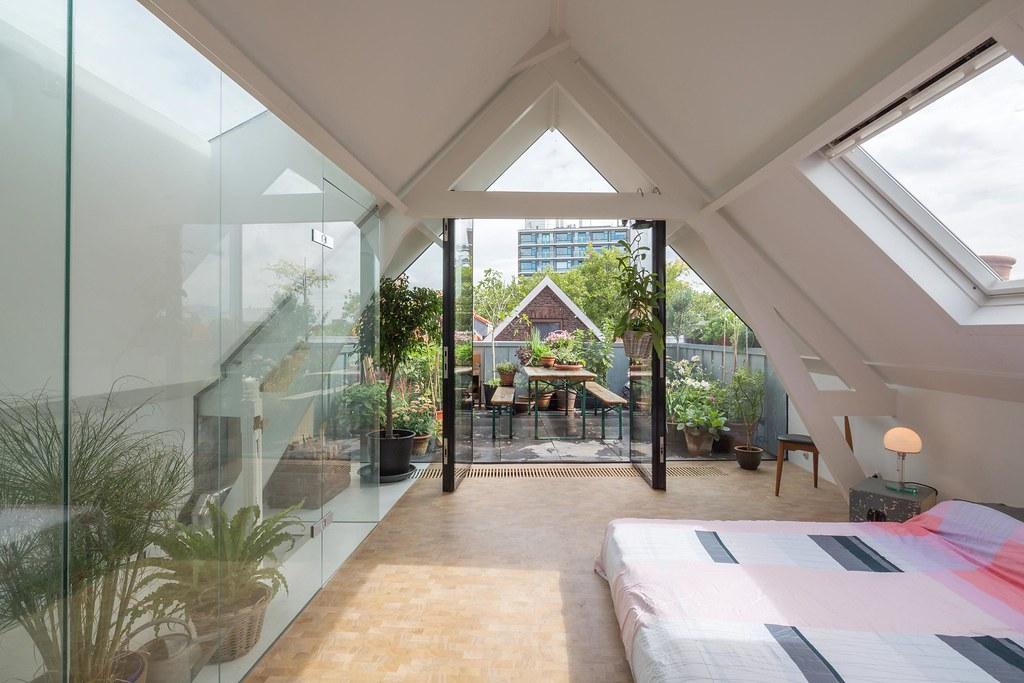 Loftwoning Delfshaven  slaapkamer met openslaande deuren