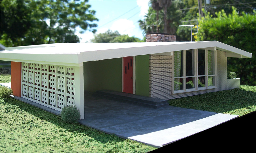 Miniature MidCentury Modern House  I built this model as