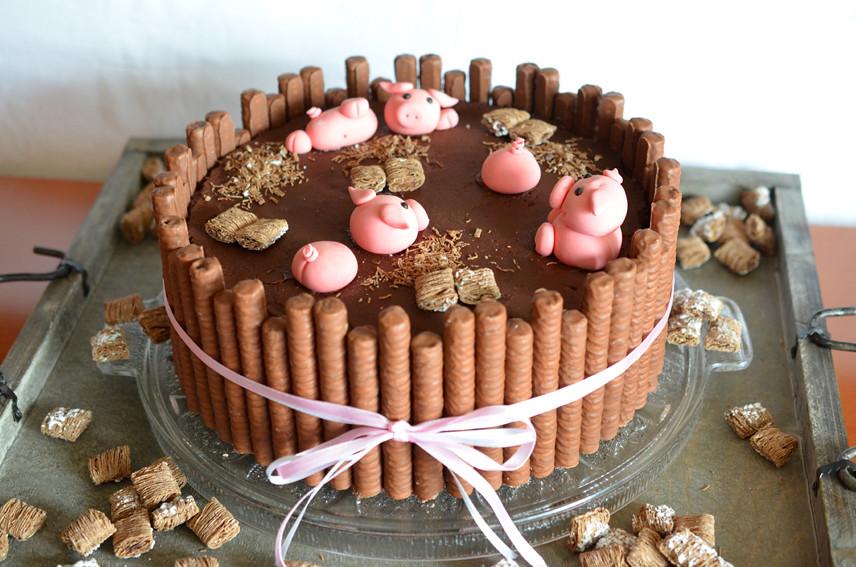 SchweineTorte  Pigs on a fancy cake ninaskleinerfood
