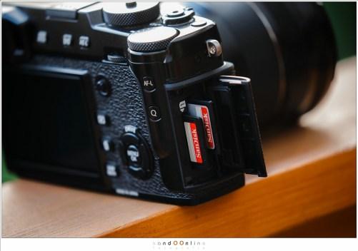Twee SD kaarten geven de mogelijkheid om gelijktijdig naar twee verschillende kaartjes te schrijven. Dat levert een mooie backup tijden de fotoshoot.