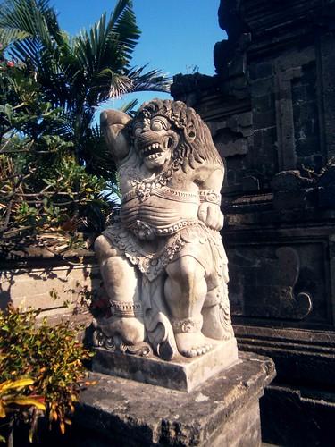 Entrance Statue to Tanah Lot Bali