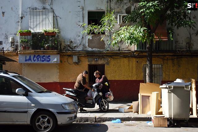 La crisis es un fantasma que convive con los vecinos de Tres Barrios desde hace más de tres décadas