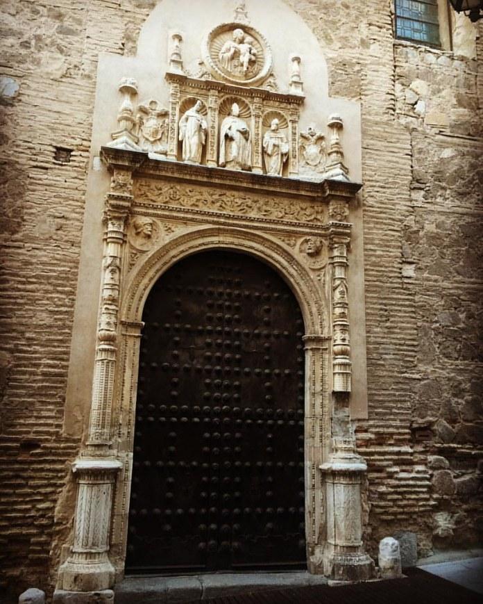 La maravillosa portada del Convento de San Clemente, que guarda un curioso secreto...