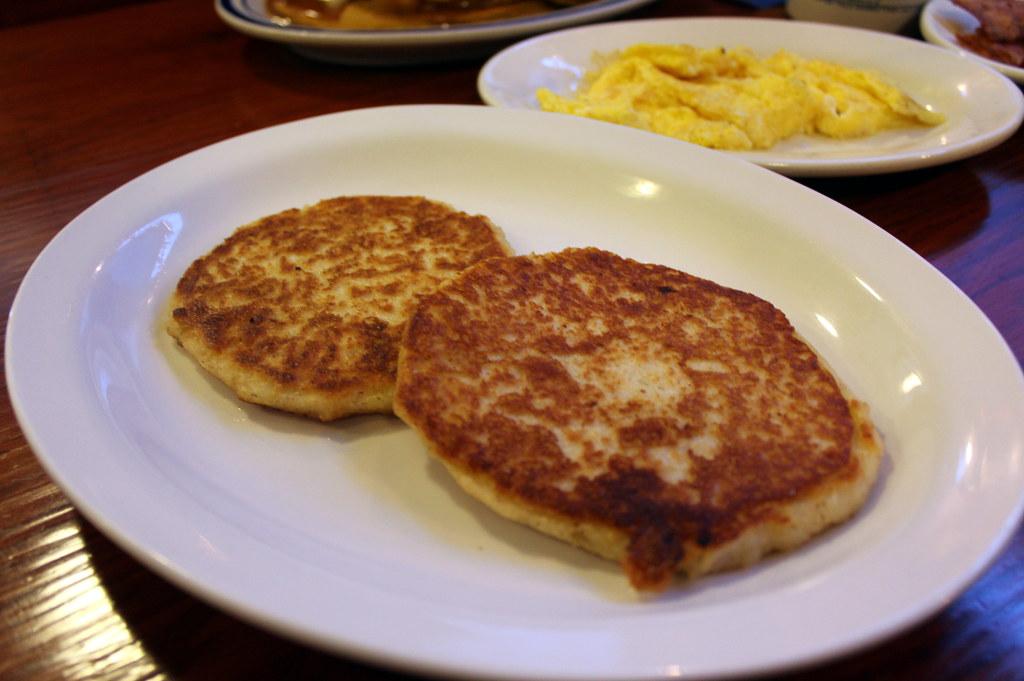RI  East Greenwich Jiggers Diner  Johnnycakes  Jigger