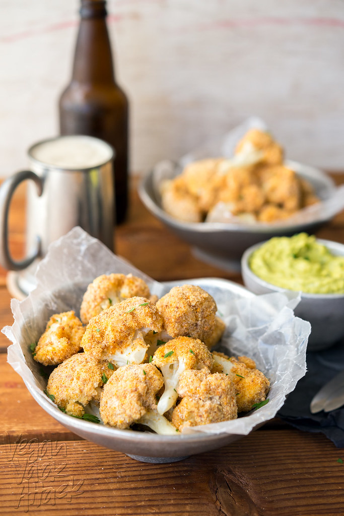 Almond-Crusted Cauliflower Bites with Avocado Ranch Dip! Baked, #glutenfree, #vegan and ready to party!