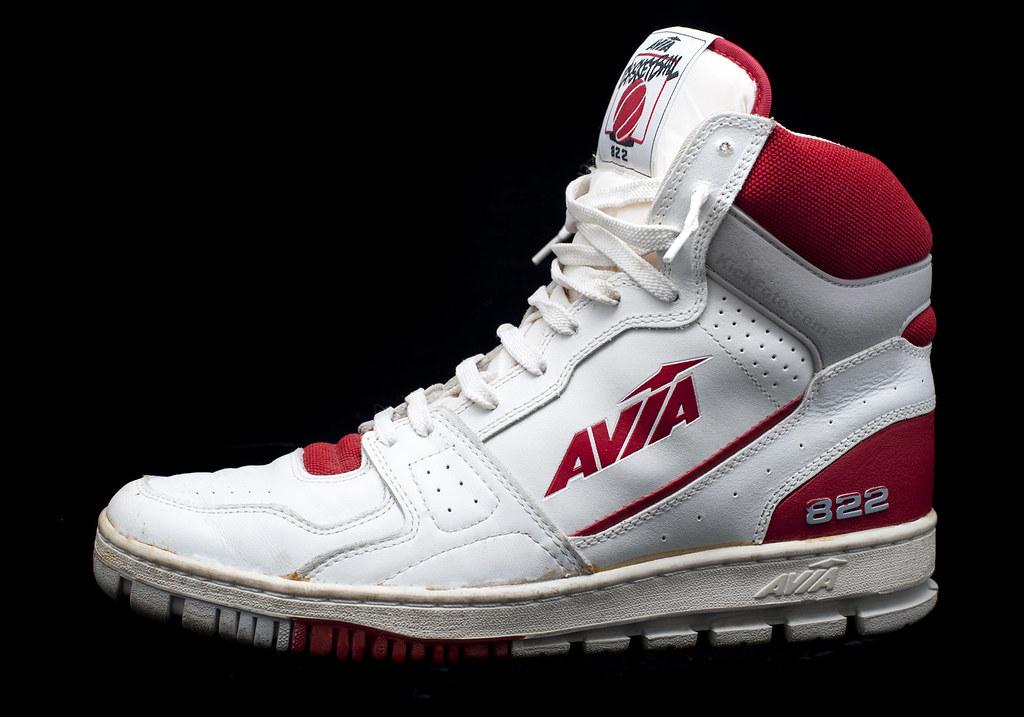 Avia 822  Avia 822 whitegreyred basketball sneakers