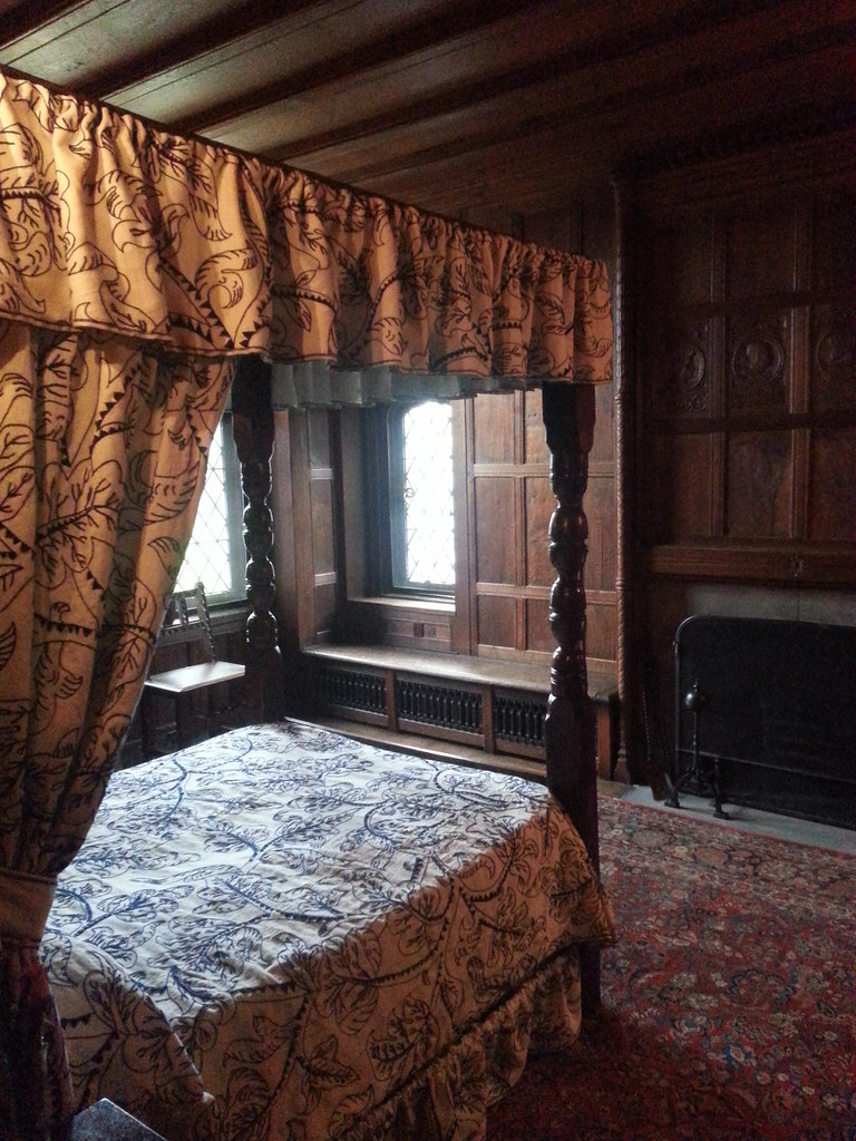 Cromwell Bedroom  Stan Hywet  20141125  The Cromwell