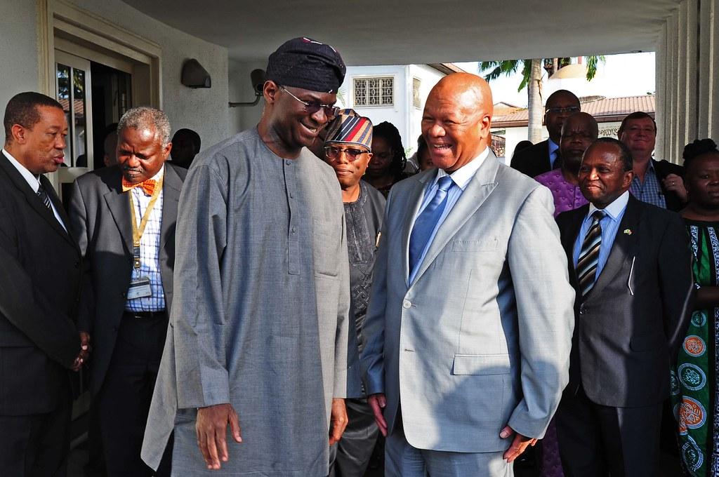 Babatunde Fashola en visite en ville avec sa délagation