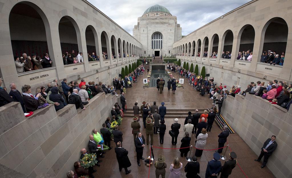 Anzac Day 2015  Last Post Ceremony Australian War Memori