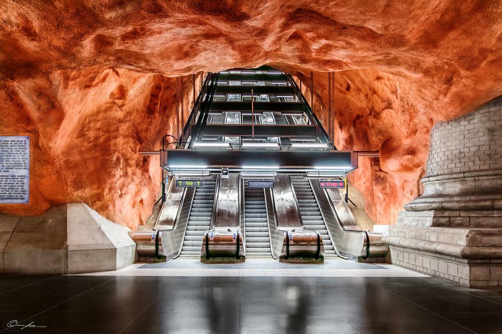 Red hole  Stockholm subway station Rdhuset  a very impr  Flickr