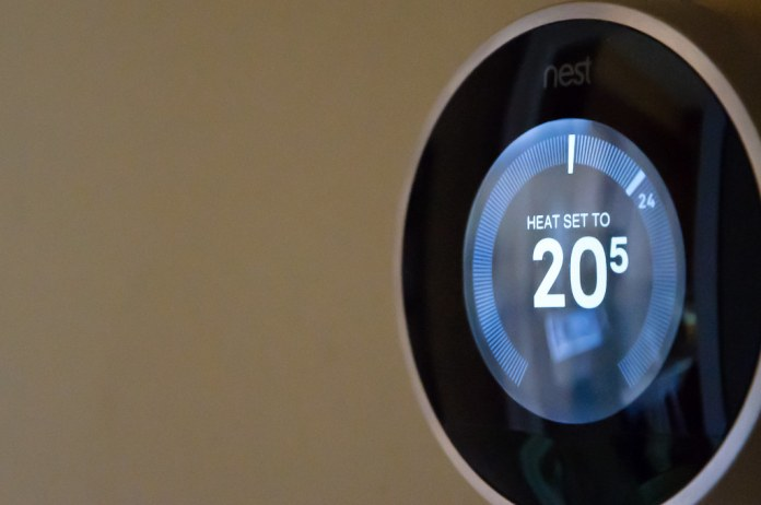 Receive a Manitoba Hydro Rebate When You Purchase Eligible Smart Thermostats and Appliances