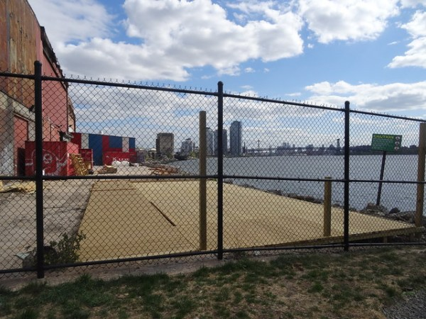 Brooklyn Barge Bar Site, 5/13/2015