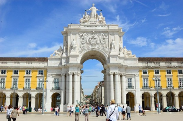 Arco da Rua Augusta | The Streets of Lisbon | No Apathy Allowed