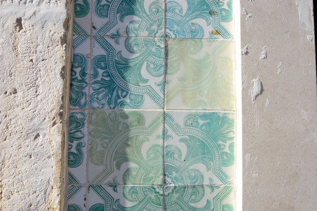 Sea green azulejos | The Streets of Lisbon | No Apathy Allowed
