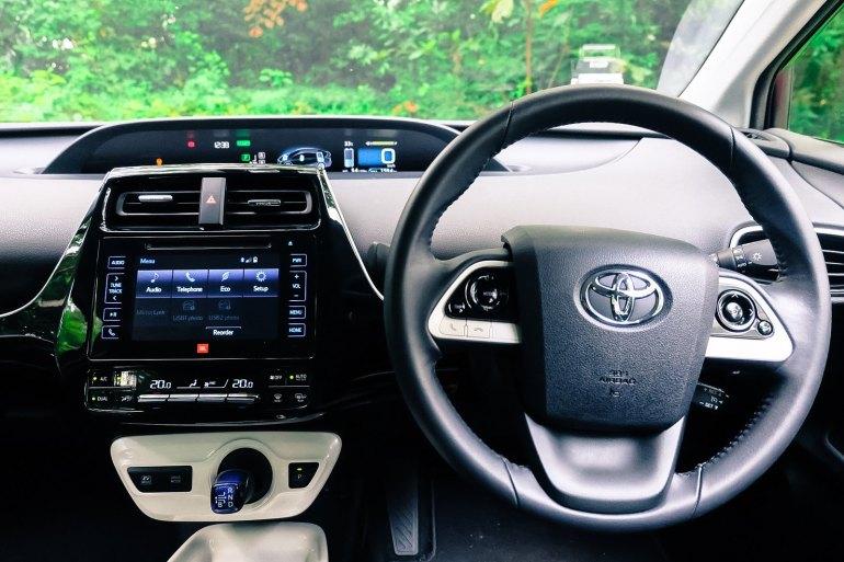 Latest Toyota Prius 2016