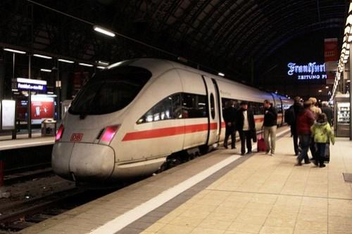 ICE 3 set at Frankfurt am Main Hauptbahnhof