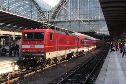 DB 114 016 trails double deck commuter carriages