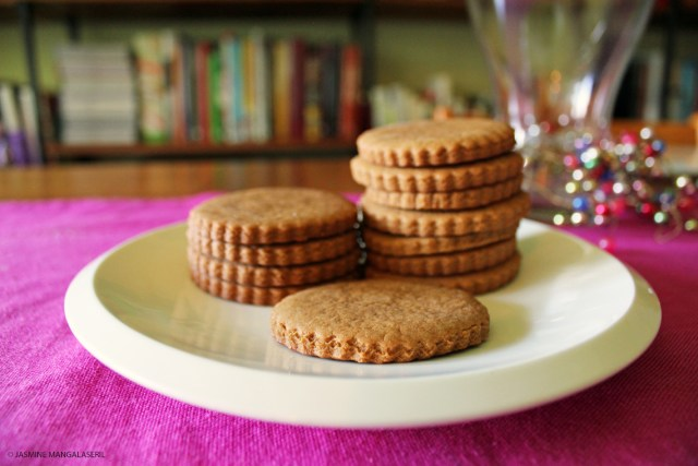 160915 Pepper Ginger Cookies 1 1140x760