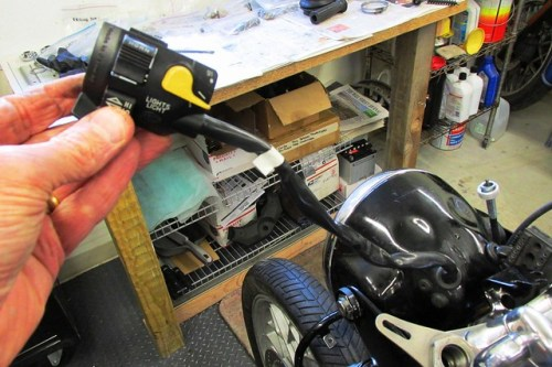 61 BMW 1975 R756 Replace Left Side Handlebar Control Switch | Brook's Airhead Garage