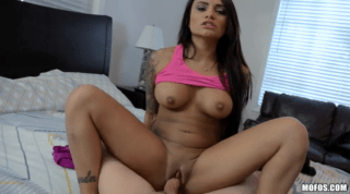Amazing New Latina Natalia Mendez