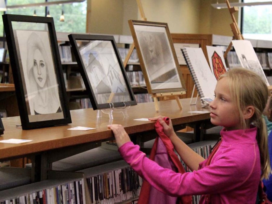 Family art day at ArtWalk