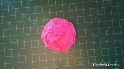 https://c2creativelycourtney.wordpress.com/2016/02/10/felt-roses/