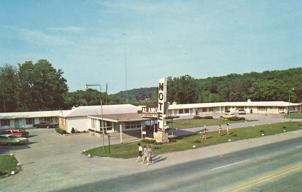The Cardboard America Motel Archive Alamo Motor Inn Iowa
