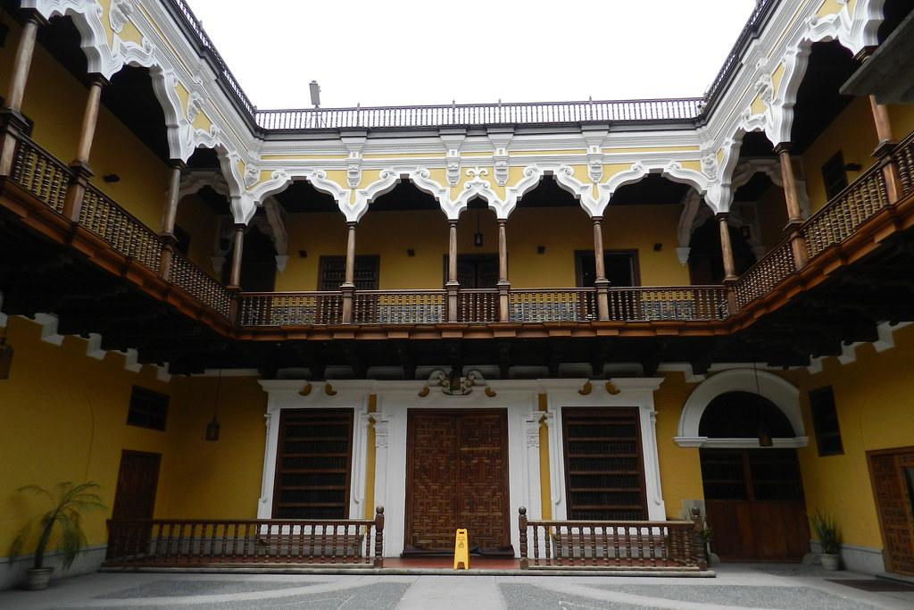 Peru Lima patio Palacio de Torre Tagle 04