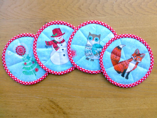 Fussy Cut Christmas Coasters (Quilt Now Nov16)