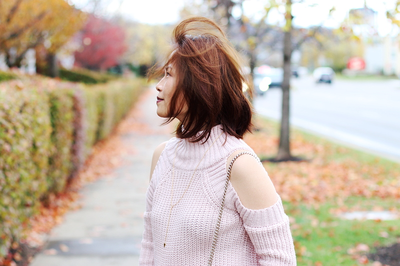 cold-shoulder-pink-sweater-3