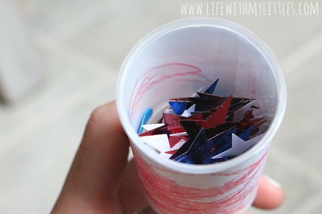These simple firework poppers for kids are the perfect Fourth of July craft for toddlers or preschoolers!