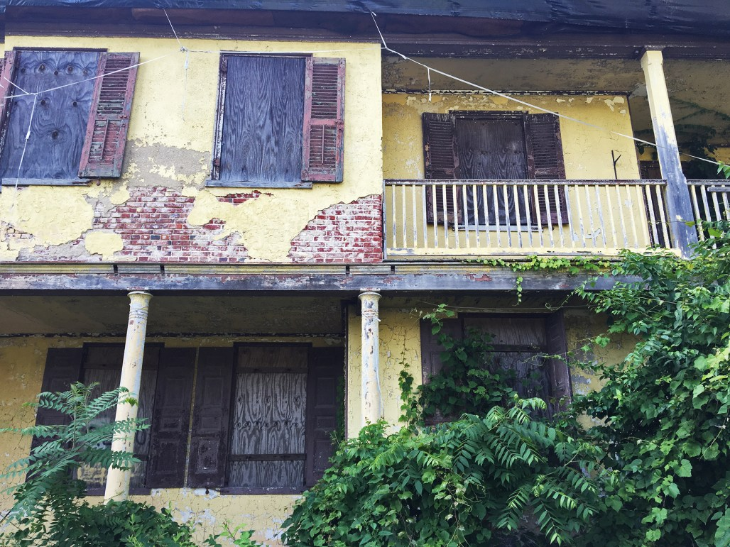 richard-ashbridge-mansion-exton-shutters