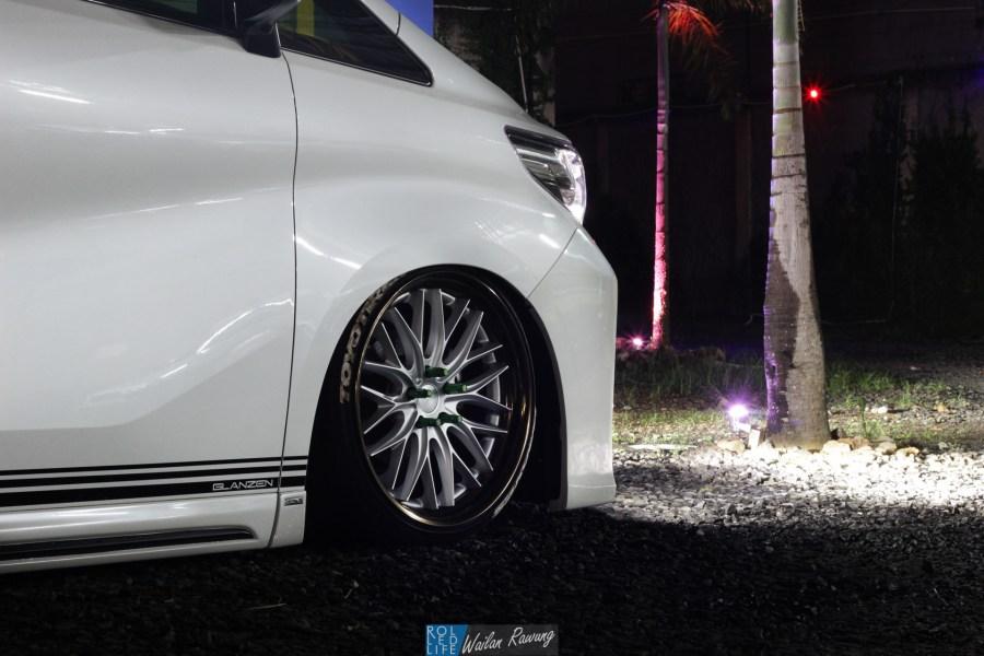 Kikianugraha Slammed Toyota Alphard-2