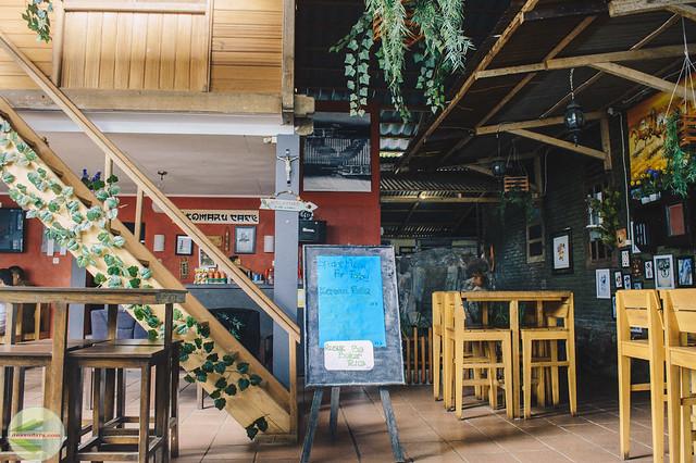 Tomaru Cafe