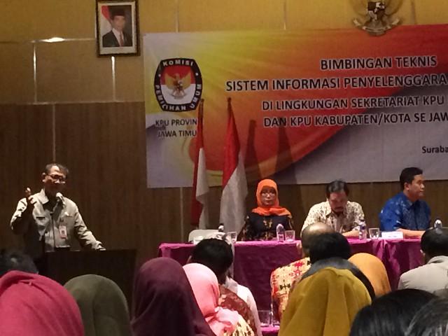 Sekretaris KPU Prov. Jawa Timur HM. E. Kawima saat memberikan sambutan bimtek SIPP(10/8)