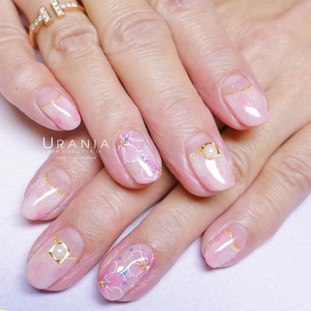 ♥ 粉嫩的少女情懷!愛上粉色指甲彩繪 16