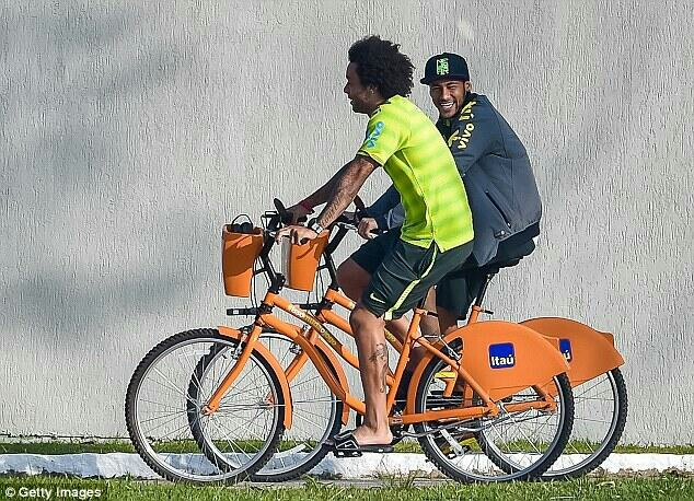 Everyone rides - Neymar & Marcelo