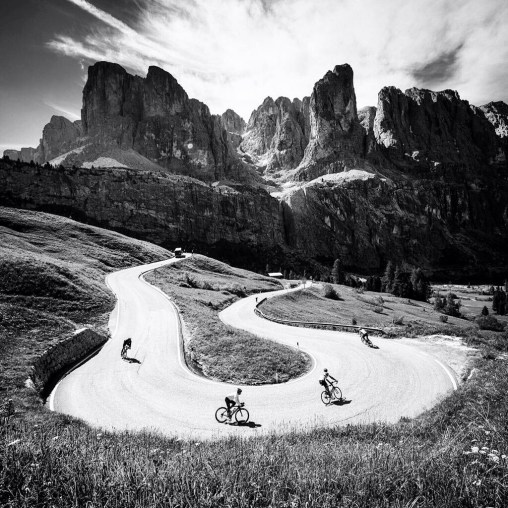 Cyclists ❤ Curves - Dolomites Edition