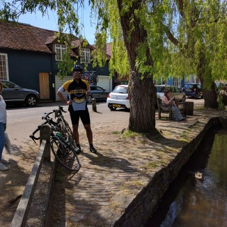 Moi at halfway point break in Shere