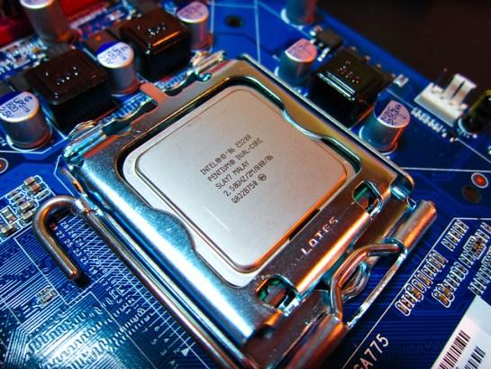 Intel E5200 #1
