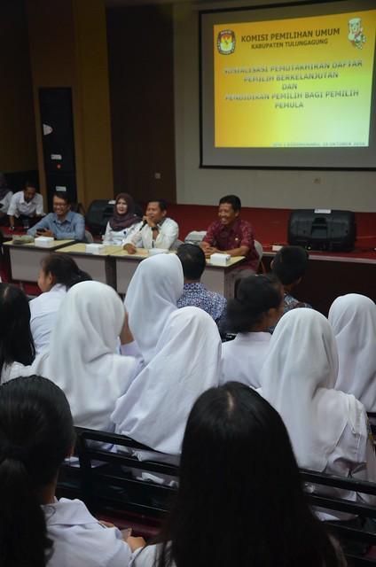 Suasana pembukaan acara KPU goes to school(18/10)